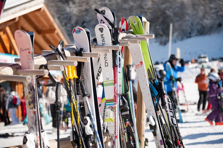 Les Carroz skis